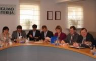 Valstybinės institucijos ir NVO stiprins bendradarbiavimą žmogaus teisių srityje