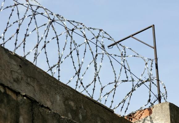 Alytaus pataisos namuose sulaikytas narkotikų platinimu įtariamas pareigūnas