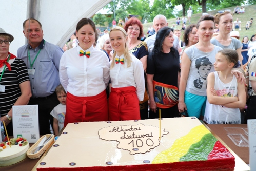 Druskininkai šimtmečio proga Lietuvai padovanojo 100 tortų